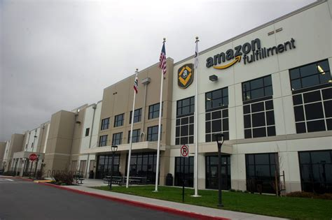 amazon opening  tracy distribution center news