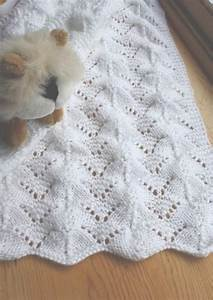 Reversible Lace Baby Blanket   Crochet baby, Free knitting ...