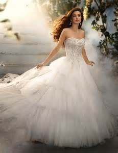 beautiful wedding gowns needs beautiful wedding dress this site is the bee 39 s knees
