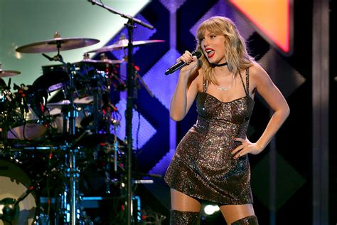 Taylor Swift Tops Hot Country Chart With Re-Recorded 'Love ...