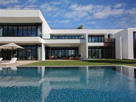 Alex Rodriguez Sells Miami Beach Mansion For $30 Million
