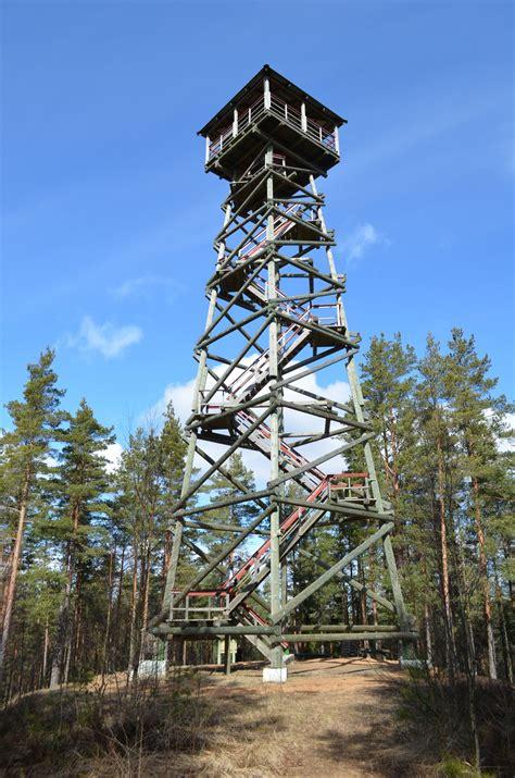 Ūdrkalna skatu tornis pie Usmas ezera - Visit Talsi