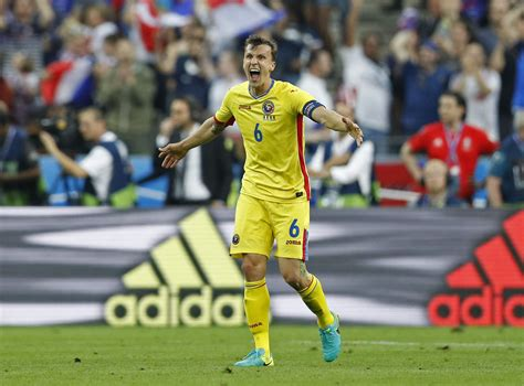 Tottenham Hotspur fans react on Twitter to Vlad Chiriches ...