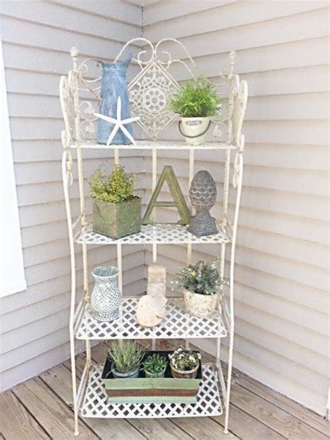 Etagere Shabby by Shabby Chic Bakers Rack Up Only Etagere By