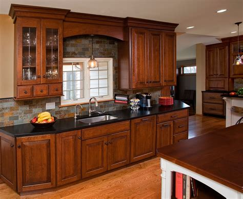 Kitchen Design : Traditional Kitchen Designs And Elements