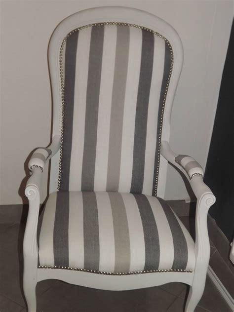 chaise voltaire 2 beaux fauteuils voltaire coloris à voir dans les