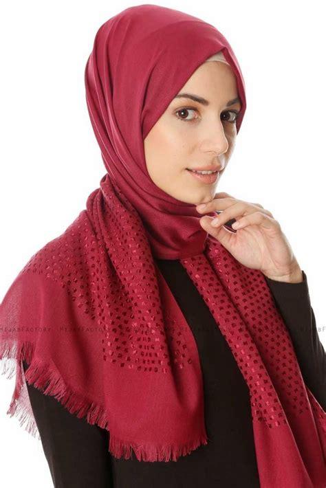 reyhan donkere fuchsia hijab oezsoy