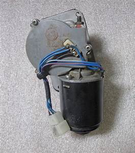 Toyota Land Cruiser Wiper Motor 9  77