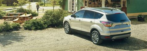 ford escape cargo features  capacities