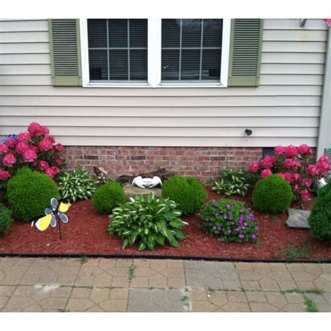 17 Small Front Yard Landscaping Ideas To Define Your Curb
