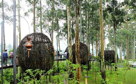 dusun bambu bandung menyatu  alam sambil berwisata