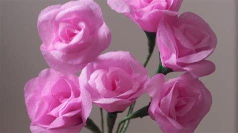 Composizioni di fiori in carta crespa: la primavera in casa DeAbyDay tv