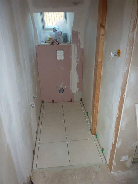 pose carrelage salle de bain sol pose du carrelage sol wc et salle de bain dario67600