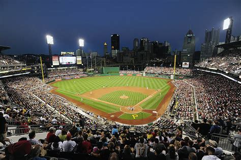 MLB: JUL 03 Phillies at Pirates | Jeanine Leech