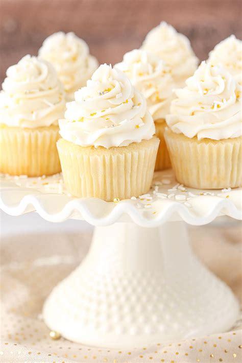 easy vanilla cupcake recipe moist fluffy vanilla cupcake