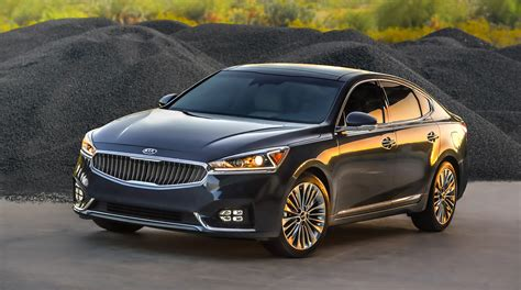 All New 2017 Kia Cadenza Takes The Stage At The New York