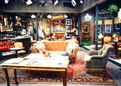 "25 Things You Didn't Know About the Sets on ""Friends"""