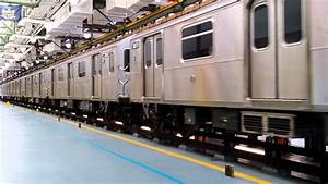 R188 Train Of Many Cars
