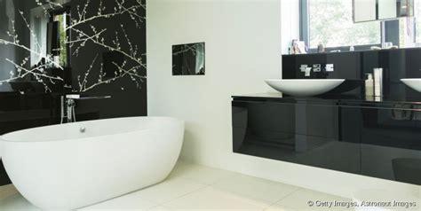 salle de bain chetre moderne maison design bahbe