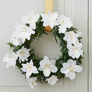 Fleur En Papier De Soie : cr er une couronne de fleurs en soie marie claire ~ Nature-et-papiers.com Idées de Décoration