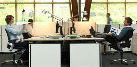 büro im wohnzimmer richtig sitzen am arbeitsplatz office for motion