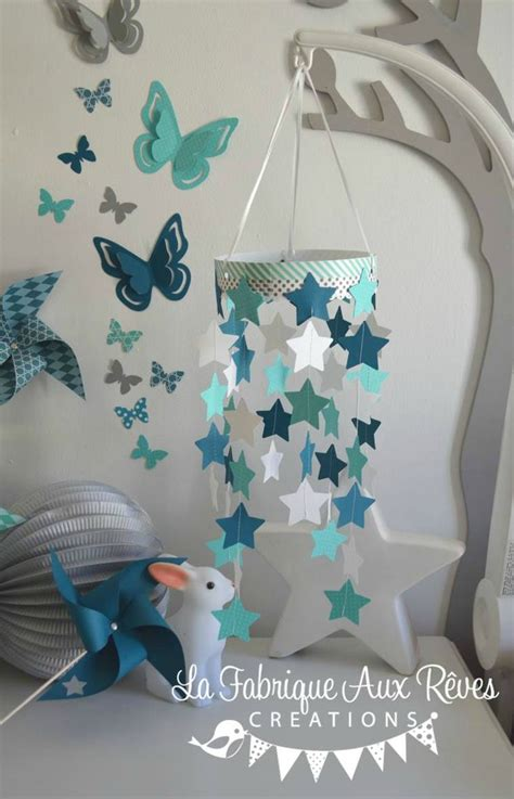 décoration bébé garcon chambre mobile étoiles bébé garçon turquoise caraïbe pétrole blanc