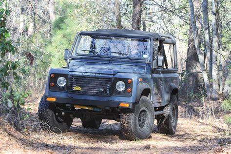 In the early 1960s both the royal marines, then largely based aboard commando carriers, and the british army required a vehicle that could be carried by air to replace the austin champ. Two-Letter Defender: An LS-Powered Land Rover that goes as ...