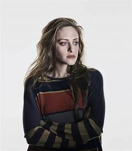 Darlene played by Carly Chaikin | Cast & Crew | Mr. Robot ...