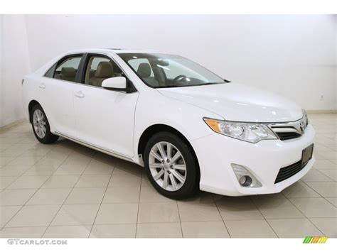 super white toyota camry xle   gtcarlot