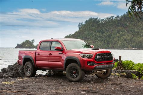toyota tacoma trd pro  road review motor trend