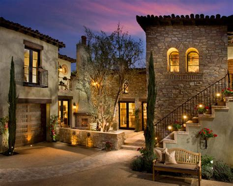 houzz tuscan courtyards design ideas remodel pictures