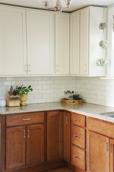 how to choose kitchen backsplash best 25 two tone cabinets ideas on two toned