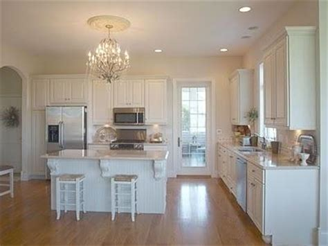Crystal Chandeliers in Kitchens   Paperblog