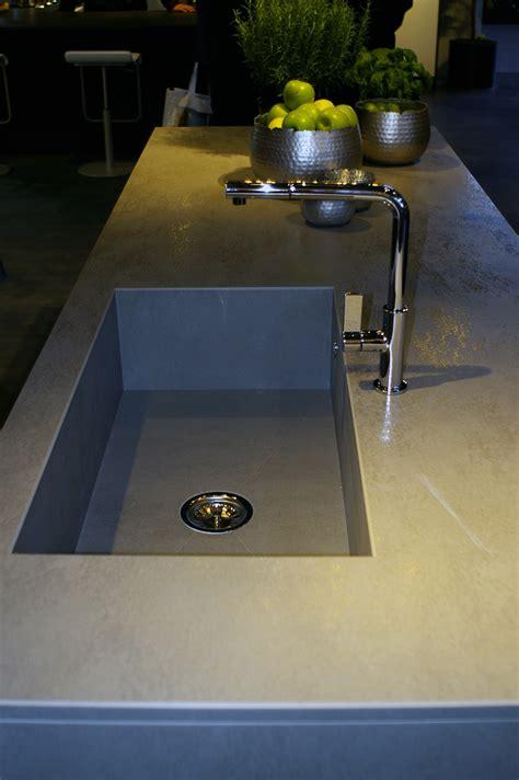 cuisine intégré evier de cuisine intégré au plan de travail