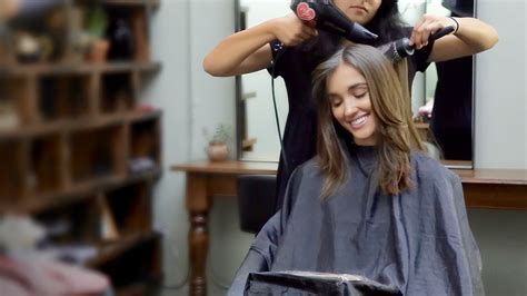 The Icape Meet The Salon Cape That Lets You Use Your