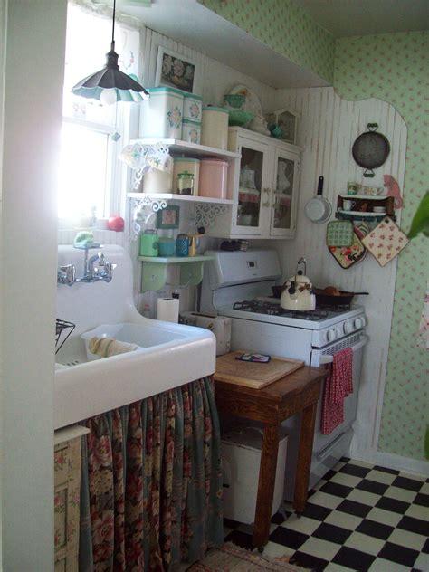 small cottage kitchen vintage cottage kitchen interesting home pictures 2334