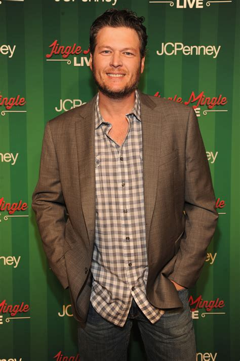 blake shelton height in feet blake shelton height stats and body measurements