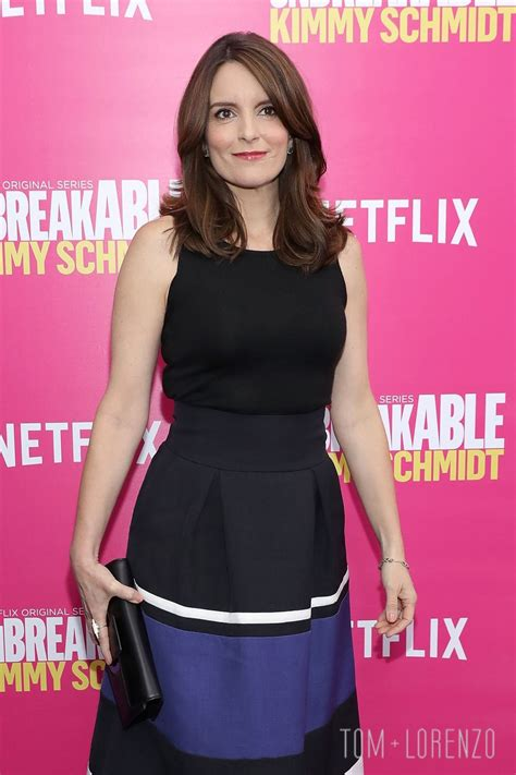 tina fey fashion tina fey in martin grant at the quot unbreakable kimmy schmidt