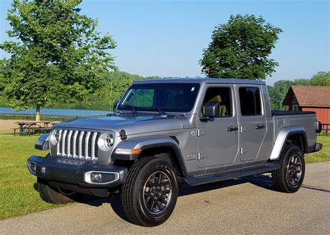 jeep gladiator overland  review wuwm