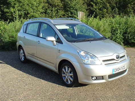 Toyota Corolla Cost by Toyota Corolla Verso 2004 2009 Running Costs Parkers