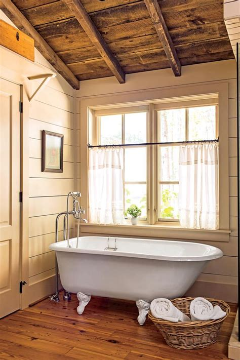 ways  shiplap bathrooms log cabin bathrooms