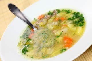 cuisiner les restes de poulet soupe aux restes de dinde recettes du qu 233 bec
