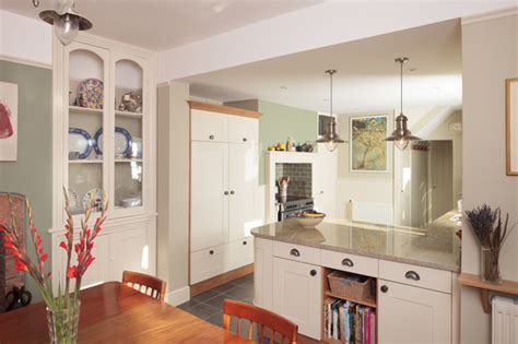 A Guide to Open Plan and Broken Plan Kitchen Layout Ideas