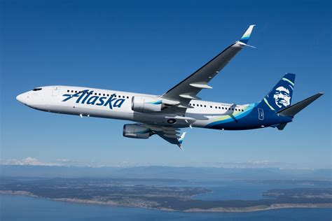 alaska airlines  start flying  paine field airways