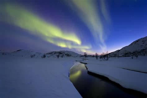 best place to see northern lights in iceland the top 5 best places to see the northern lights tnt