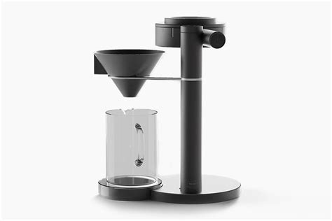Parts of the coffee makers with grinders after the operation is usually very hot so you should not touch your hands directly and also note that keep a coffee maker with a grinder is a fantastic idea. This Ultra-Sleek Drip Coffeemaker Packs An Integrated Grinder And Digital Scale - Dr Wong ...