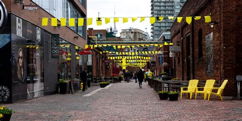 Essential Toronto Itinerary: Distillery District and ...