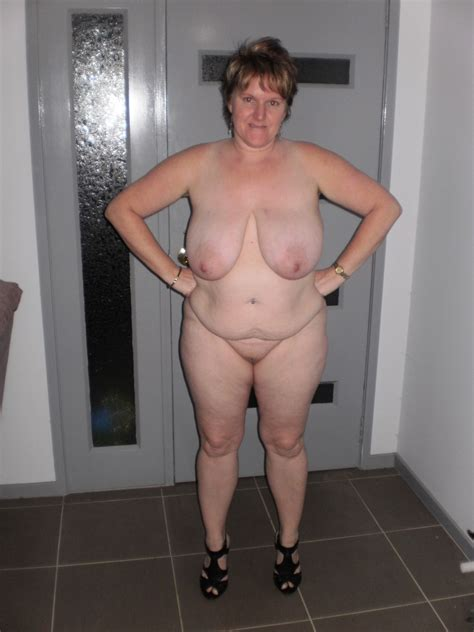 Another Flabby Mature Bbw Posing Naked In Gallery