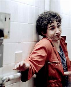 Robert Sheehan GIFs - Find & Share on GIPHY