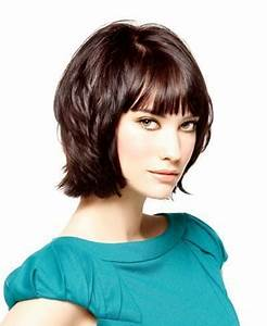 Cheveux Mi Longs Dégradés : coupe de cheveux mi longs carre legerement degrade avec joli mouvement dans les pointes ~ Dallasstarsshop.com Idées de Décoration